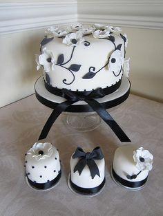 Wedding Cake & Minis