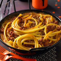 Beef Recipes Pasta casserole with meat sauce Noodle Recipes, Meat Recipes, Pasta Recipes, Healthy Recipes, Pasta Casserole, Pasta Bake, Casserole Dishes, Healthy Meals To Cook, Healthy Cooking