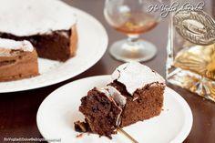 Torta al cioccolato con solo albumi una ricetta favolosa e facile per riciclarli. Sofficissima e umida quanto basta il giorno dopo è ancora più buona