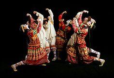 Cena do balé A Sagração da Primavera, que teve sua trilha composta por igor Stravinsky para o Ballets Russes (Foto: Getty Images)