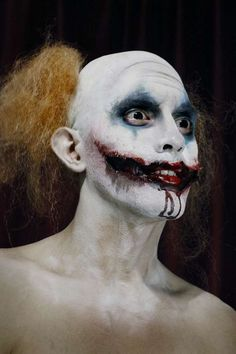 """american horror story freak show"" - The previous three seasons of American Horror Story have had their fair share of creepy moments, but with a character named ""Killer Clown,. Scary Clown Face, Creepy Clown Makeup, Gruseliger Clown, Clown Faces, Scary Clowns, Evil Clowns, Halloween Clown, Halloween Makeup Looks, Halloween Costumes"