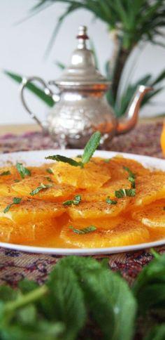 Marruecos: Ensalada de Naranjas con Canela - Golosos del Mundo Orange Recipes Baking, Raw Food Recipes, Indian Food Recipes, Gourmet Recipes, Salad Recipes, Healthy Recipes, Ethnic Recipes, Delicious Recipes, Morrocan Food
