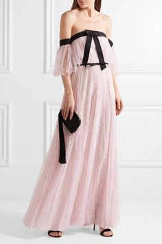 Giambattista Valli - Off-the-shoulder Chantilly Lace Gown - Pastel pink