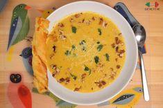 Kremowa zupa serowa z chrupiącymi orzechami włoskimi i pietruszką Cheeseburger Chowder, Cheddar, Thai Red Curry, Eat, Ethnic Recipes, Food, Cheddar Cheese, Essen, Meals