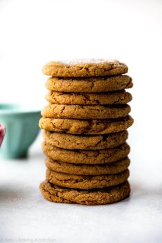 These seriously soft molasses cookies are the most tender and chewy gingersnap cookies around! A must-make recipe for your Christmas cookie platters. Ginger Molasses Cookies, Ginger Snap Cookies, Easy Cookie Recipes, Dessert Recipes, Desserts, Roll Cookies, Cookies Soft, Baking Cookies, Cookies