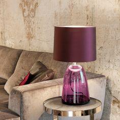 Möbel, wie Soafas und Lampen in zeitlosem Design und hochwertig verarbeitet bei Christine Kröncke   creme münchen