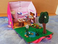 Felt Dollhouse--I put more images on my blog of the dollhouse details.