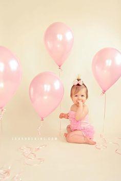 36 trendy baby photoshoot ideas girl first birthdays balloons Photo Bb, Pink Photo, Birthday Girl Pictures, 1st Birthday Photoshoot, Baby Girl First Birthday, Birthday Kids, Bday Girl, Baby Girl Photos, Girl Pics