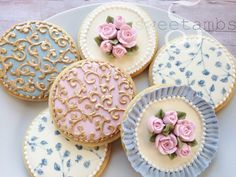 Read about my cookie decorating class at Alma's Cupcakes in Madrid!