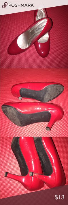 👠 MAKE OFFERS Red Mary Jane Kitten Heel Pumps 👠 🔸Brand: Comfort Plus by Predictions 🔸Color: Cherry Red 🔸Size: 6 1/2, True To Size 🔸Used 🔸Flaws Shown In Pic 🔸Need To Be Cleaned With Wet Wipe 🔸Extremely Padded Insole 🔸Round Toe 🔸Approximately 2 inch Heel 🔸Smoke Free Home 🔸Cat/Dog Friendly Home 🔸OFFERS WELCOME 🔸Moving So Trying To Down Size As Much As Possible Shoes Heels
