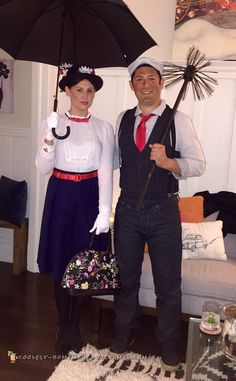 Take a look at the best Mary Poppins costumes and tutorials. Jump into a Halloween costume as if it were a pavement drawing with these awesome DIY costumes. Mary Poppins Halloween Costume, Cool Couple Halloween Costumes, Funny Couple Costumes, Best Couples Costumes, Family Costumes, Halloween Ideas, Halloween Party, Halloween 2018, Halloween Outfits