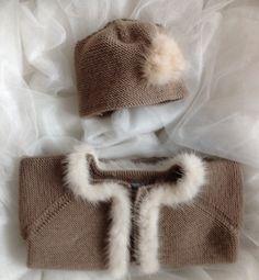 ¡Por un otoño muy chic! Conjunto de chaqueta y gorrito en lana merina y visón, #MINISUEÑOS by Sueños De Carlota http://www.xn--sueosdecarlota-snb.com/