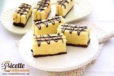 I Tegolini sono una delle merendine più famose del Mulino Bianco. Nati negli anni 80 non sono altro che strati di pasta biscotto uniti da crema alla nocciola o al cioccolato. Buonissimi per la merenda dei vostri bambini.