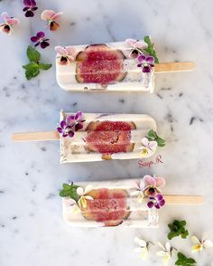 Regram from - Fig breakfast parfait popsicles 💕 Tag your photos with and we will regram our favourites. Figs Breakfast, Breakfast Time, Breakfast Parfait, Cute Desserts, Frozen Desserts, Frozen Treats, Homemade Soy Milk, Healthy Popsicles, Parfait Recipes
