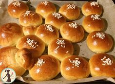 Brioche Morbidissime ricetta garantita e originale Soft Brioche is a guaranteed recipe, once you try it you won't leave it anymore, your children and even [. Nutella, Croissant Recipe, Burger Buns, Italian Cookies, Biscuit Recipe, Sweet Cakes, Everyday Food, Sweet Bread, Original Recipe