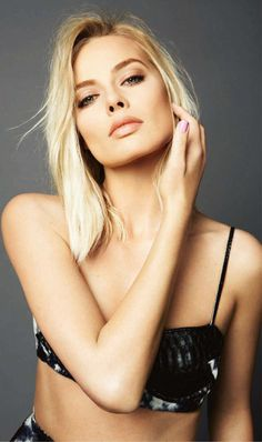 Margot Robbie #babe #blonde #celeb