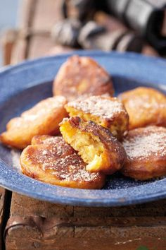 Pampoenkoekies just like grandma used to make them South African Desserts, South African Dishes, South African Recipes, Mexican Recipes, Kos, Pumpkin Fritters, Great Recipes, Favorite Recipes, Good Food