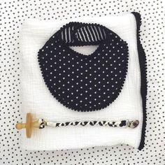 ❤️⚫️⚪️ #blackandwhite #babyaccessories #etsyfinds #etsygifts #handmadebaby #matching #cute #handmadebaby