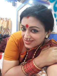 Marathi Nath, Kashta Saree, Marathi Wedding, Small Nose, Indian Beauty, Crushes, Chokers, Hoop Earrings, Face