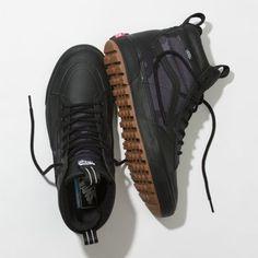 Vans Boots, Mens Vans Shoes, Skate Shoes, Nike Boots Mens, Kicks Shoes, New Shoes, Men's Shoes, Shoes Sneakers, Hiking Sneakers