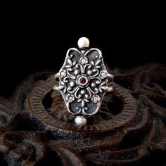 Anillo de perla renacentista: 999 plata fina, blanca CZ, CZ rojo, PMC, Art Clay Silver, plata pura, anillo de filigrana, arcilla de metal, tamaño 8.5 de GothicGlitter en Etsy https://www.etsy.com/es/listing/234173870/anillo-de-perla-renacentista-999-plata