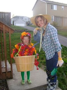 Ruffles and Roses: flower pot costume tutorial