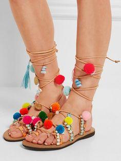 Sommerschuhe 2016: Fröhlich verzierte Sandalen mit Pompoms von Mabu by Maria BK