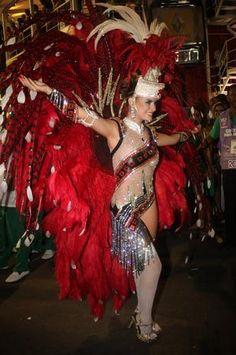 12 fev 2013, Sambódromo, Rio de Janeiro - Rayanne Moraes desfila pela Escola de Samba Acadêmicos do Grande Rio. Foto: Vinicius Eduardo / AgNews.