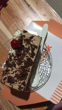 Food N, Good Food, Food And Drink, Yummy Food, Happy Birthday Cake Photo, Iran Food, Bithday Cake, Food Snapchat, Food Photo