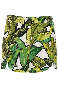 more than obsessed with these #topshop shorts with the #scallop hem