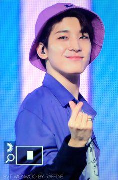 Seventeen Scoups, Seventeen Wonwoo, Woozi, Jeonghan, Twitter Header Photos, Meanie, Iconic Photos, Seungkwan, Bias Wrecker