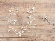 Tutorial fai da te: Come fare una coroncina per capelli con perline e filo metallico via DaWanda.com