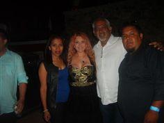 tocando en el concierto de Alicia Villareal y el MAriachi Vargas