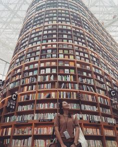 Starfield Library, Seoul, S Korea Dream Library, Library Books, Library Ideas, I Love Books, Books To Read, Amazing Books, What Dreams May Come, Modern Library, Book Nooks