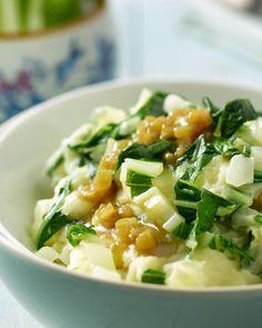 Een stoemp met Oosterse twist, met crunchy paksoi en daarbij een smakelijk currysausje. Serveer met een stukje vlees of als vegetarisch gerecht.