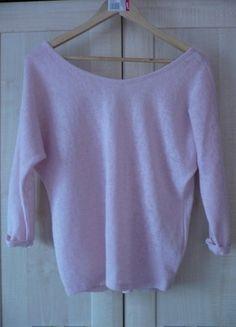 Kup mój przedmiot na #vintedpl http://www.vinted.pl/damska-odziez/swetry-z-dekoltem/13436185-rozowy-sweterek-stradivarius