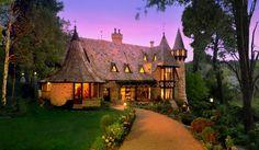 Perfect for a fairy tale honeymoon! Thorngrove Manor, Adelaide Hills, Australia #honeymoon #hotels #travel