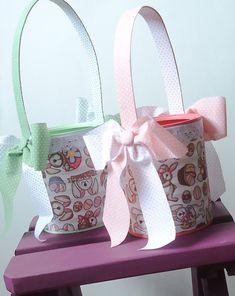A Páscoa está chegando e nós selecionamos uma dica super rápida e fácil para você montar uma cesta de Páscoa em casa. Ideal para presentea...