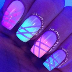 Glow in the dark nails. soooo cute !