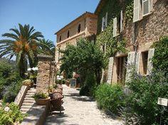 Venues to marry in Mallorca. La Residencia Deia Mallorca wedding planner. Mallorca destination wedding