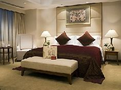 Find cheap Shanghai family rooms, holiday serviced apartments and luxury Shanghai family hotels. Holiday Service, Serviced Apartments, Hotels And Resorts, Shanghai, Family Room, Luxury, City, Bed, Places