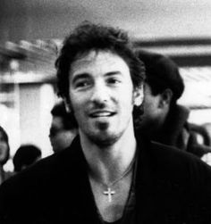 Bruce Springsteen includes a rosary necklace in his plain outfit giving it a simple-but-stylish effect. With good looks and a charismatic smile, he masters prayer jewelry fashion in a neat and manl…