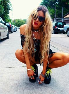 Boho Gypsy, Hippie Boho, Ibiza, Boho Rock, Music Festival Outfits, Boho Inspiration, Festival Looks, Sunglasses Women, Fashion Photography