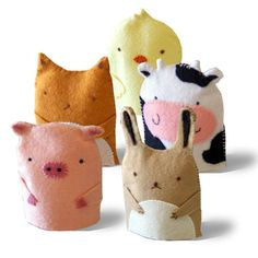 to UniqueCharm! Felt farm animal hand puppets by Yiyi Wang (Gongze @ ) (© farm animal hand puppets by Yiyi Wang (Gongze @ ) (© Felt Puppets, Felt Finger Puppets, Felt Crafts, Crafts To Make, Projects For Kids, Craft Projects, Animal Hand Puppets, Sewing Crafts, Sewing Projects