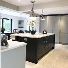 Where To Find Contemporary Grey Kitchen 10 - homevignette Home Kitchens, Kitchen Remodel, Kitchen Design, Kitchen Decor, Best Kitchen Designs, Kitchen Units, Contemporary Grey Kitchen, Kitchen Interior, Kitchen On A Budget