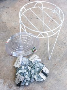 butterfly garden Have you thought of making a bee waterer for your garden It is a cheap and simple way to help the bees and butterflies stay hydrated every day. Garden Yard Ideas, Garden Crafts, Diy Garden Decor, Garden Projects, Patio Ideas, Backyard Projects, Garden Spaces, Diy Projects, Water For Bees