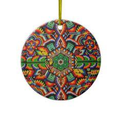 Artesanía huichol, para el árbol de Navidad, hecha con puras chaquiras . Bello