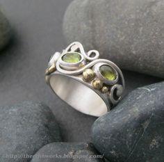 Peridot ring light lime green stones sterling silver by ElfinWorks