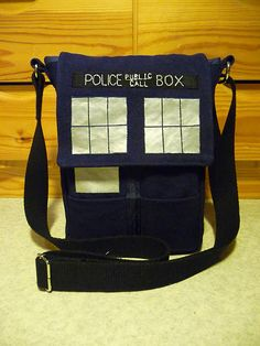 Pattern for a TARDIS purse <3 Must make