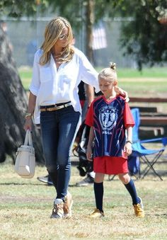 Heidi Klum Photos Photos - Heidi Klum cheers from the sidelines with her boyfriend, Martin Kristen and daughter Lou as her kids, Henry and Leni compete in a soccer game in Brentwood. - Heidi Klum the soccer mom